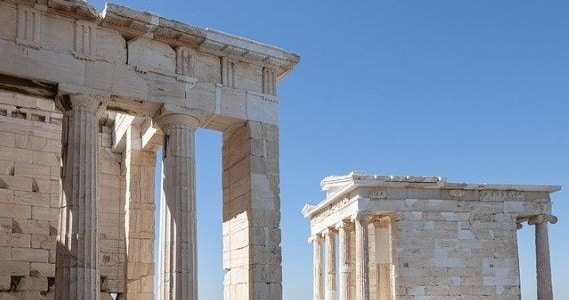 The Best Value Destinations and Travel Experiences for 2020 - image greece-4396367_640 on https://www.deltafinancialgroup.com.au