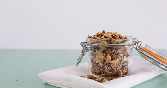 15 Healthy and Easy Snacks When You're Working From Home - image trail-mix on https://www.deltafinancialgroup.com.au