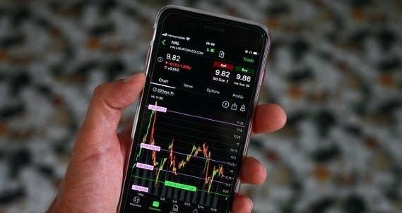 COVID-19 investment opportunities - image iphone-5183942_640 on https://www.deltafinancialgroup.com.au